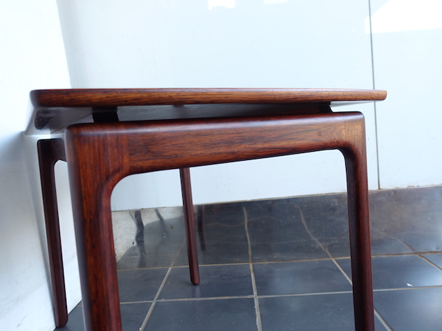 SMALL TABLE ROSEWOOD